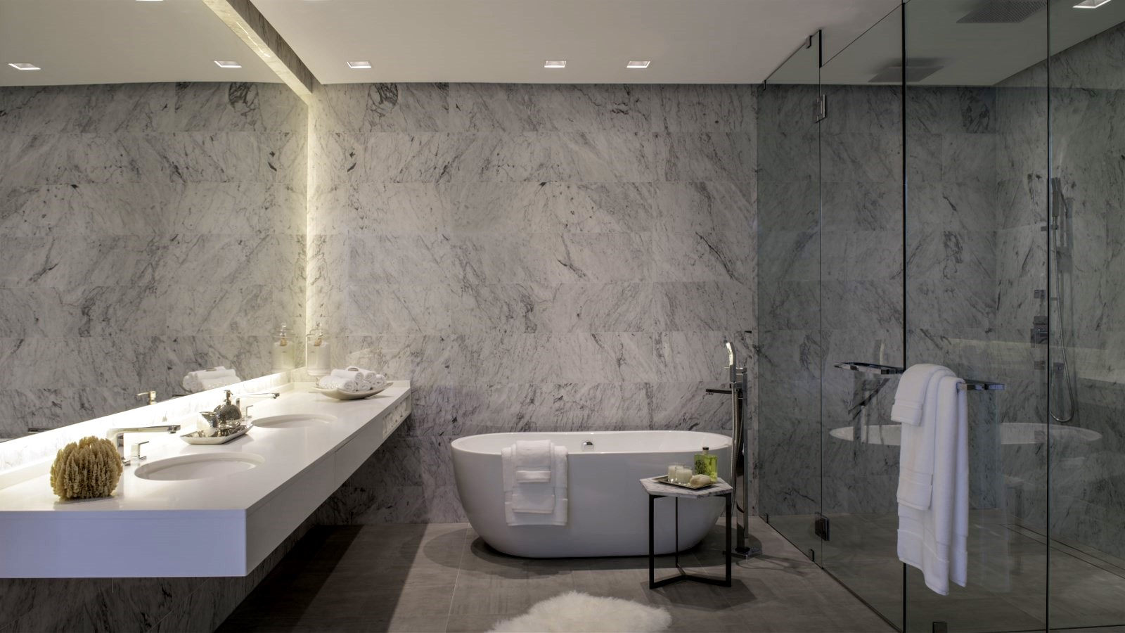 Master Bathroom (1).jpg