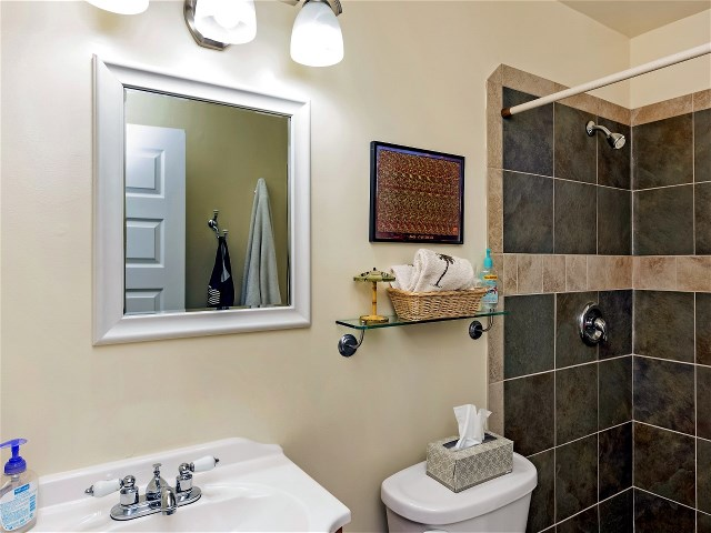 11740_nw_24th_street_MLS_HID1072027_ROOMbathroom2.jpg